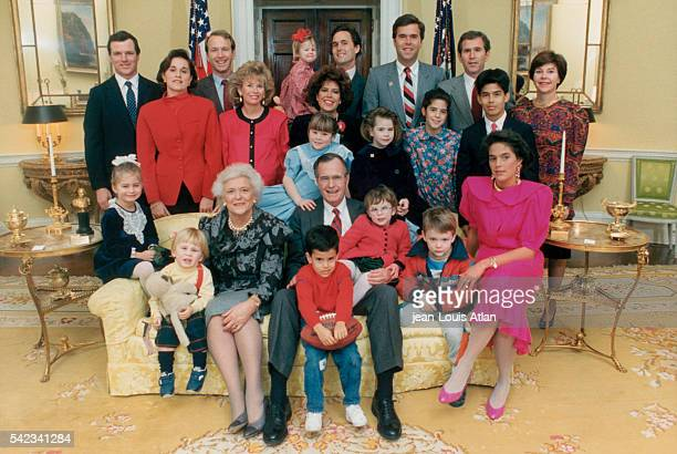 US President George Bush with his entire family for the first weekend in the White House