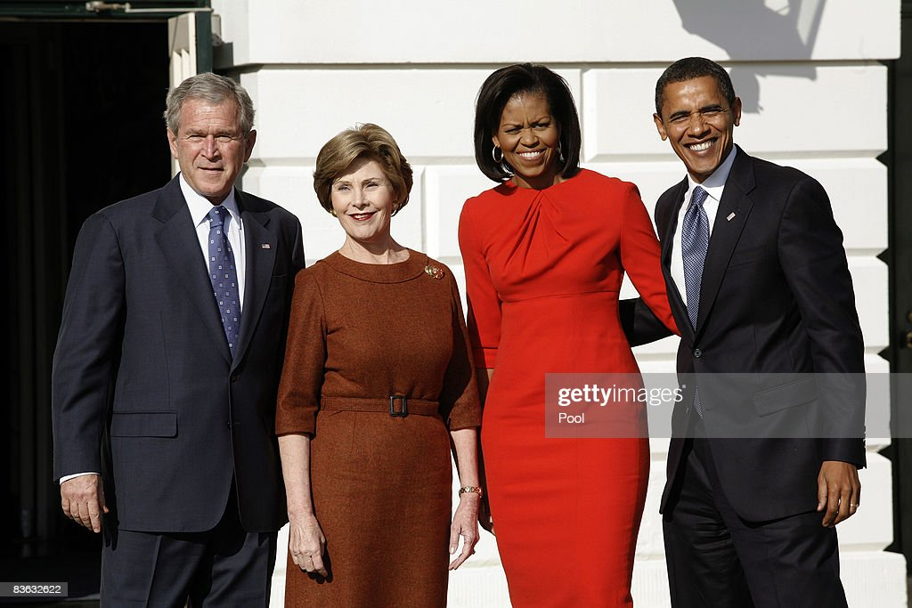 Bush Welcomes President-Elect Obama To White House : Nieuwsfoto's