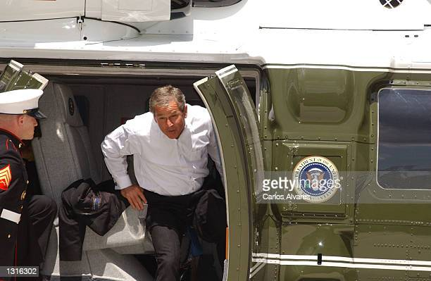 President George W Bush arrives at the country estate of Quintos de Mora June 12 2001 to be greeted by Spanish Prime Minister Jose Maria Aznar in...