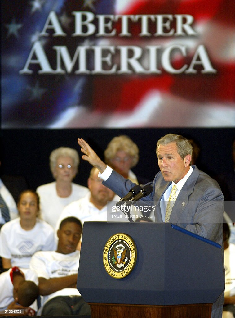 US President George W. Bush delivers a speech to a : News Photo
