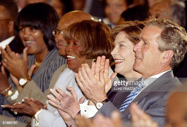 President George W Bush First Lady Laura Bush and Gospel singer Albertina Walker attend the Celebration of AfricanAmerican Music History and Culture...