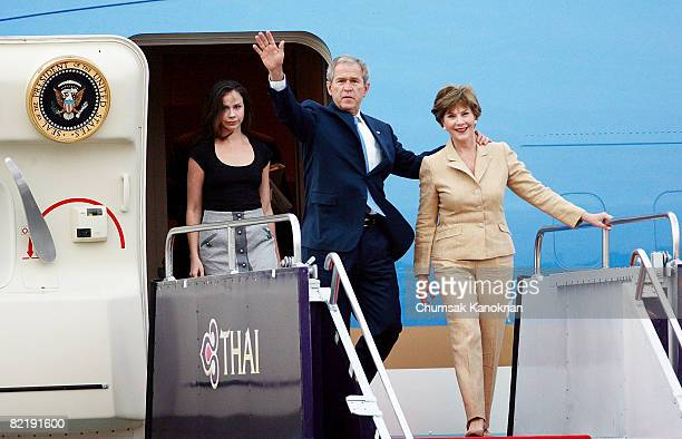 S President George W Bush First Lady Laura Bush and their daughter Barbara Bush arrive at Bangkok Military Airport on August 6 2008 in Bangkok...