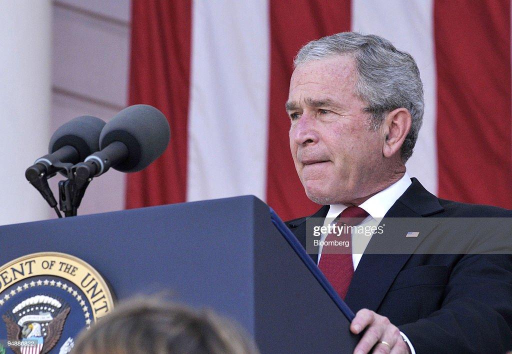 U.S. President George W. Bush makes an address during the Ar : News Photo
