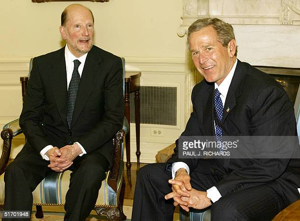 President George W Bush meets with the former King and current Prime Minister of Bulgaria Simeon SaxeCoburgGotha privately 23 April 2002 in the Oval...