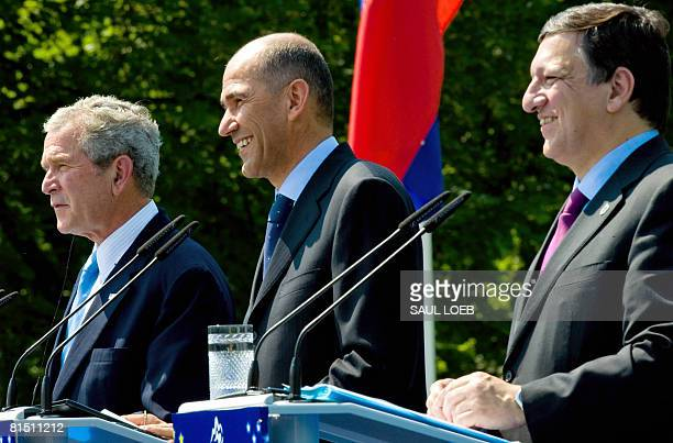 President George W. Bush, Slovenian Prime Minister Janez Jansa European Union and Commission President Jose Manuel Barroso are pictured during a...