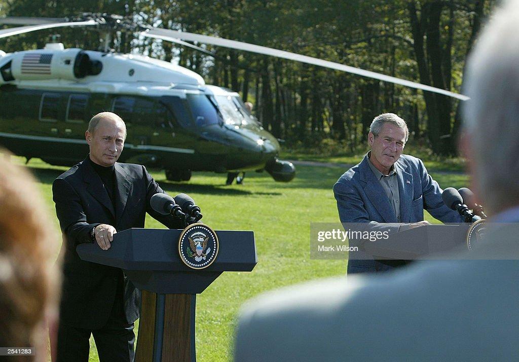 Putin moter bush i camp david