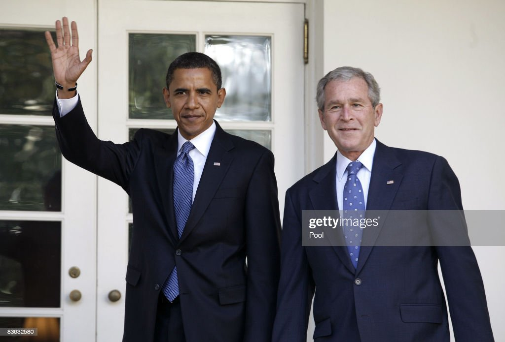 Bush Welcomes President-Elect Obama To White House : News Photo