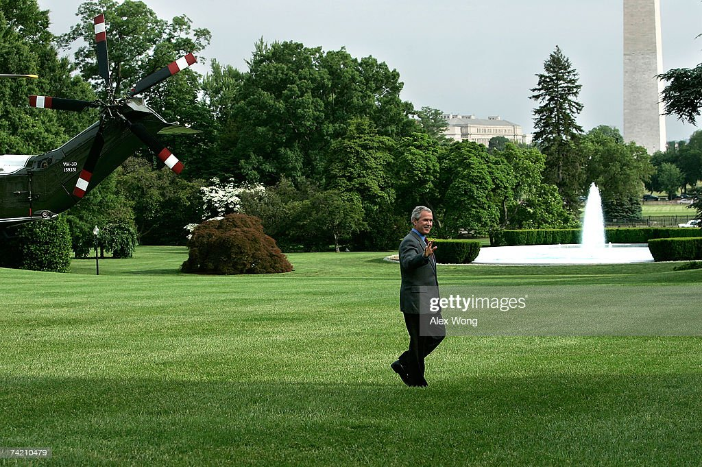 Bush Returns To White House From Crawford Ranch Photos And Images