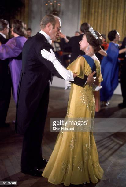 President Gerald Ford dances with Britain's Queen Elizabeth during a White House State Dinner honoring the Queen US Bicentennial visit Washington DC...