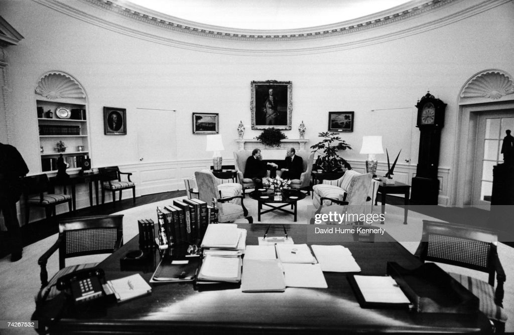 jimmy carter oval office. U.S. President Gerald Ford Shakes Hands With President-elect Jimmy Carter In The Oval Office