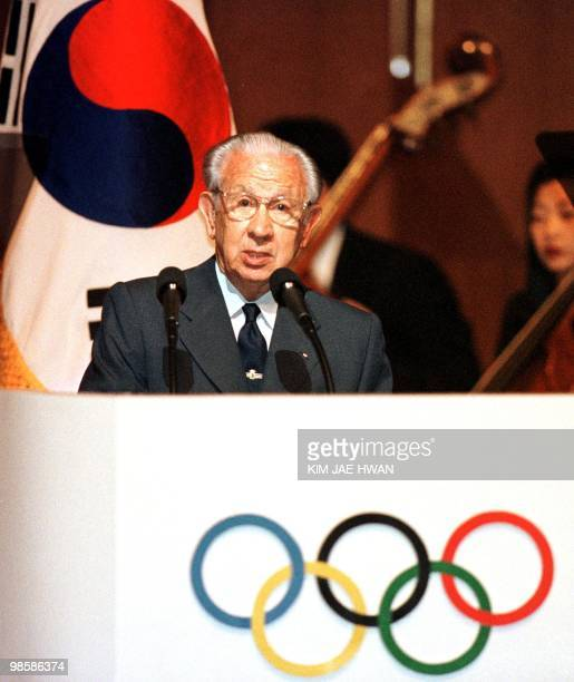 IOC President Jaun Antonio Samaranch gives a speach at the opening ceremony the 109th IOC Session in Seoul 16 June 1999 Dope testing for EPO will not...