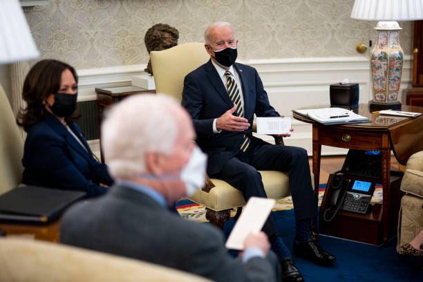 DC: President Biden Discusses Supply Chains With Bipartisan Group Of Senators