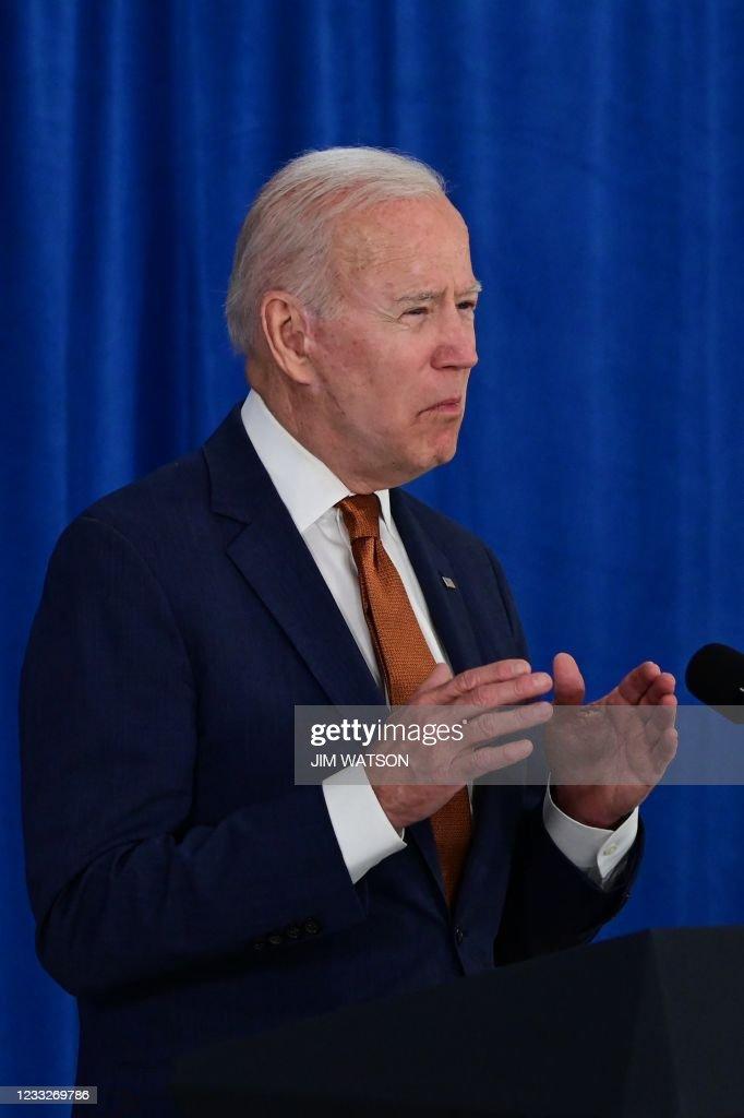 US-POLITICS-BIDEN-ECONOMY-JOBS : News Photo