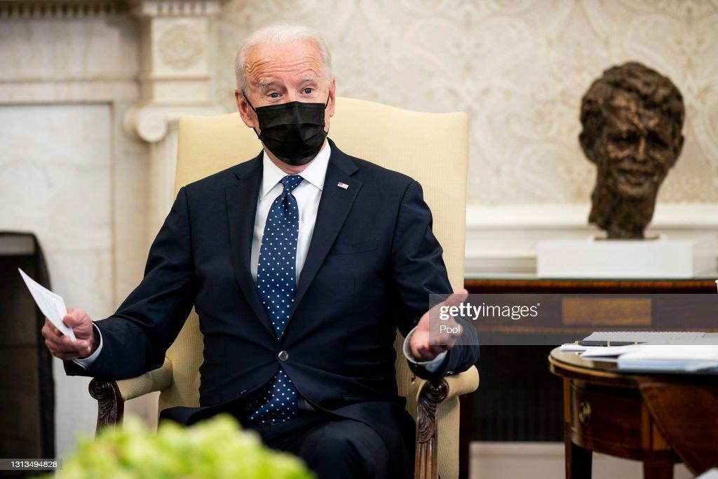 President Biden And Vice President Harris Meet With Congressional Hispanic Caucus : ニュース写真