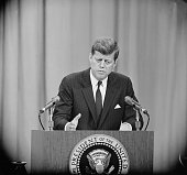 President john f kennedy answers questions at a press conference the picture id514901336?s=170x170