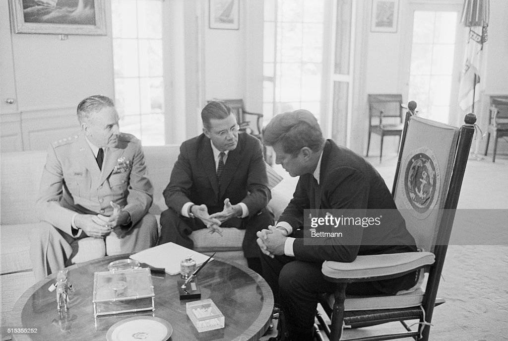 President Kennedy Meeting With Advisors Pictures Getty Images