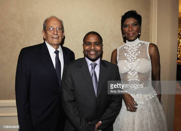 President Kenneth Kleinberg Natalie Cole's son Robert Yancy and singer Natalie Cole attend the University Kidney Research Organization Awards at The...