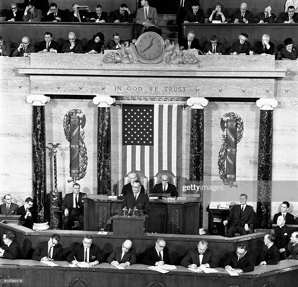 President Johnson Makes 1964 State of the Union Address : News Photo