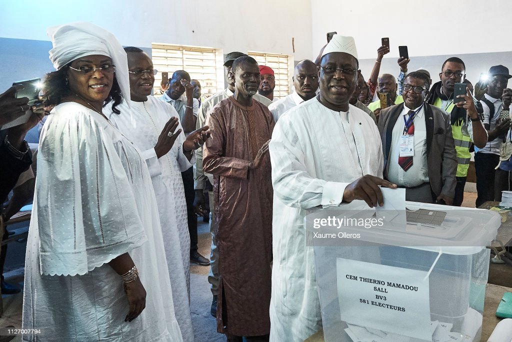 The Sengalese Go To The Polls To Vote In Their General Election : News Photo