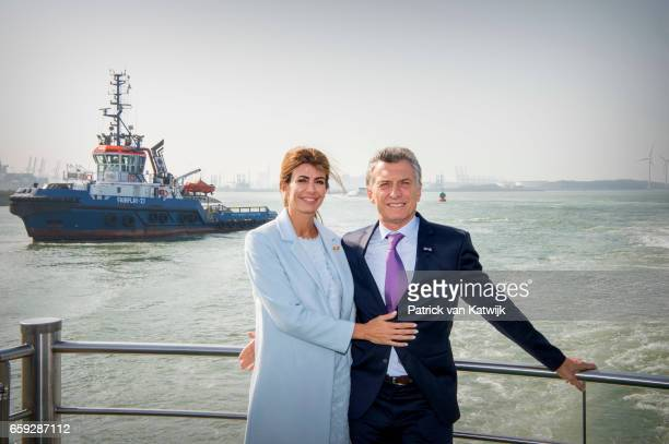 President Mauricio Macri and his wife Juliana Awada of Argentina during an boat trip in the harbor of Rotterdam on March 28 2017 in Rotterdam The...