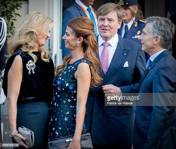President Mauricio Macri and his wife Juliana Awada say goodbye to King WillemAlexander and Queen Maxima of The Netherlands after the ballet...
