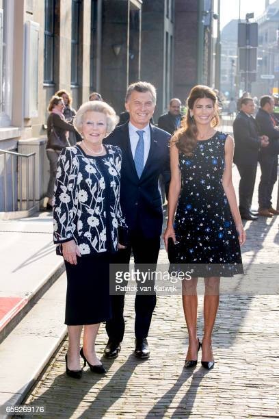 President Mauricio Macri and his wife Juliana Awada welcome Princess Beatrix of The Netherlands before the ballet performance they offer to the Dutch...