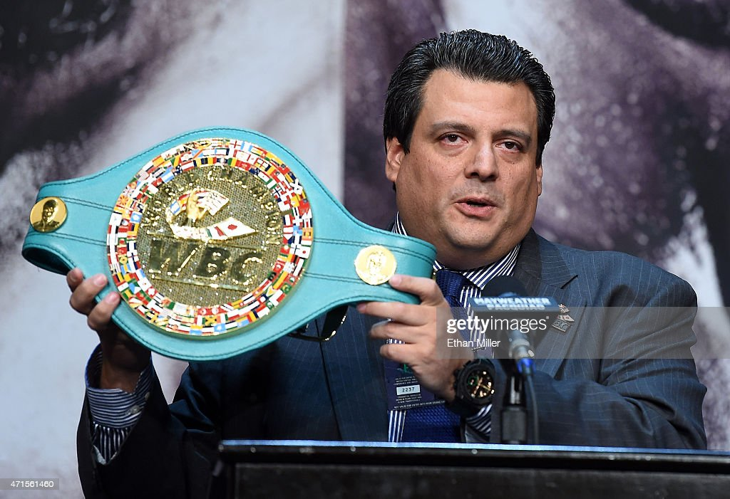 Floyd Mayweather Jr. v Manny Pacquiao - News Conference : News Photo