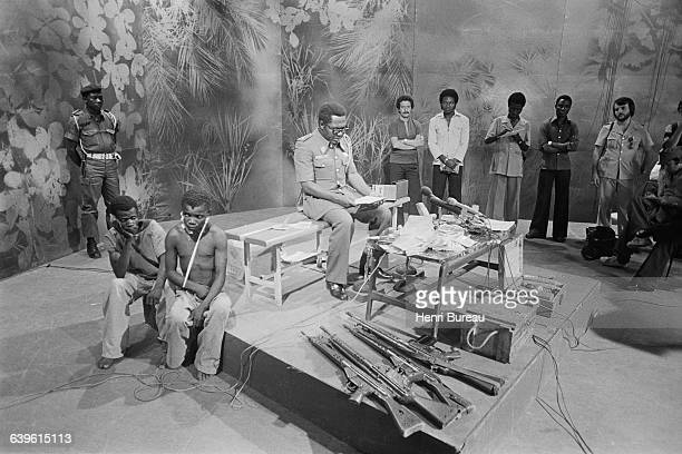 President Mobutu presents the first wounded prisoners captured by the Zaire army in the rebel province of Shaba former Katanga