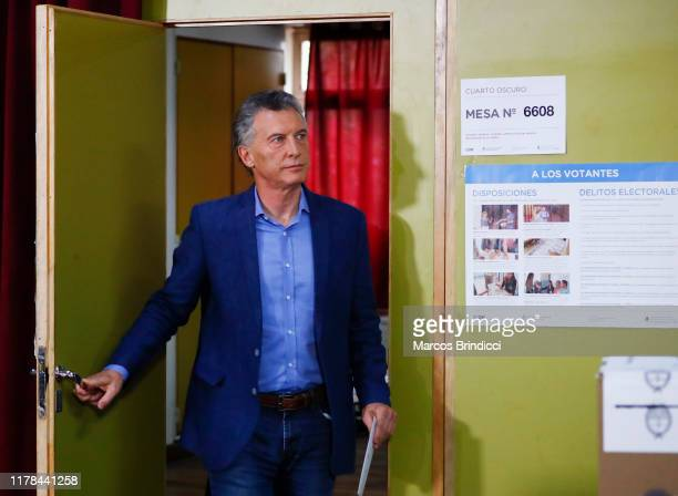 President of Argentina and Presidential candidate Mauricio Macri of 'Juntos por el Cambio' casts his vote during the presidential elections in...