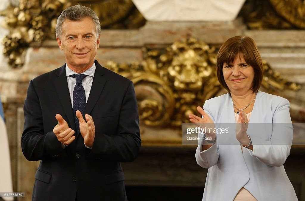Mauricio Macri Attends Security Forces Promotion Ceremony : ニュース写真