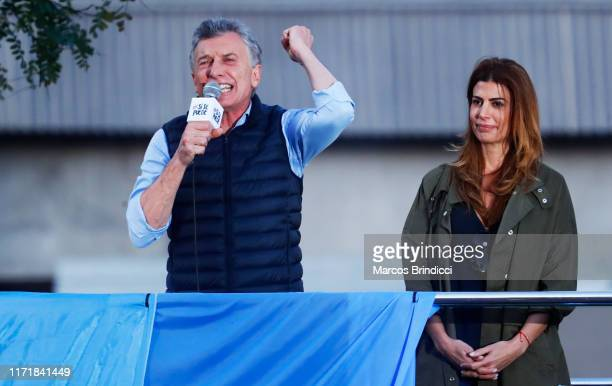 "President of Argentina Mauricio Macri speaks to his supporters alongside fist lady Juliana Awada during an event so-called ""Si Se Puede"" at Barrancas..."