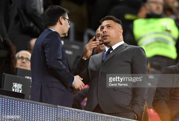 President of Barcelona Josep Maria Bartomeu speaks to Ronaldo in the stands prior to the La Liga match between FC Barcelona and Real Valladolid CF at...