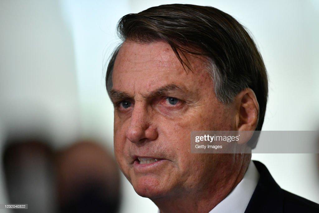 President Bolsonaro Announces New Emergency Aid : News Photo
