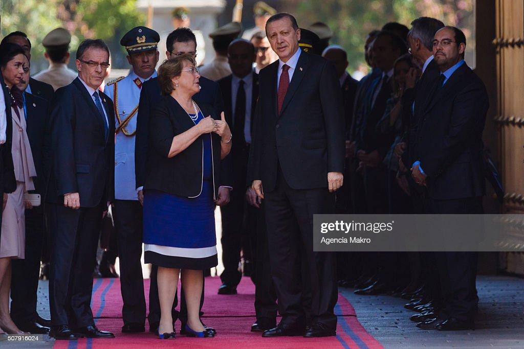 President of Chile Michelle Bachelet (L), talks with President of Turkey Recep Tayyip Erdogan(R) at Palacio de La Moneda on February 01, 2016 in Santiago, Chile.