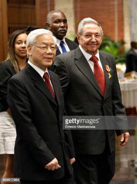 President of Cuba Raúl Castro and the General Secretary of the Communist Party of Vietnam Nguyn Phú Trng greet the press at the Palace of the...