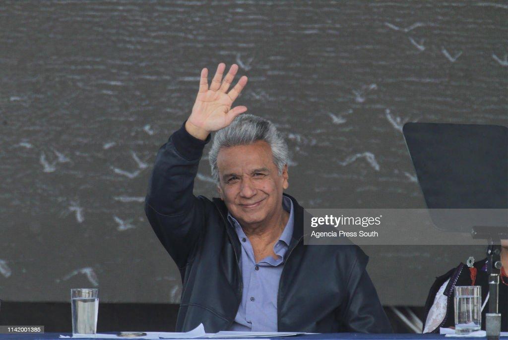 President Lenin Moreno Presents 'Agua Para Todos' : News Photo