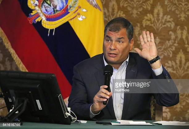 President of Ecuador Rafael Correa met with internacionles news agencies in the Carondelet Palace dutante his speech also gave figures on how much it...