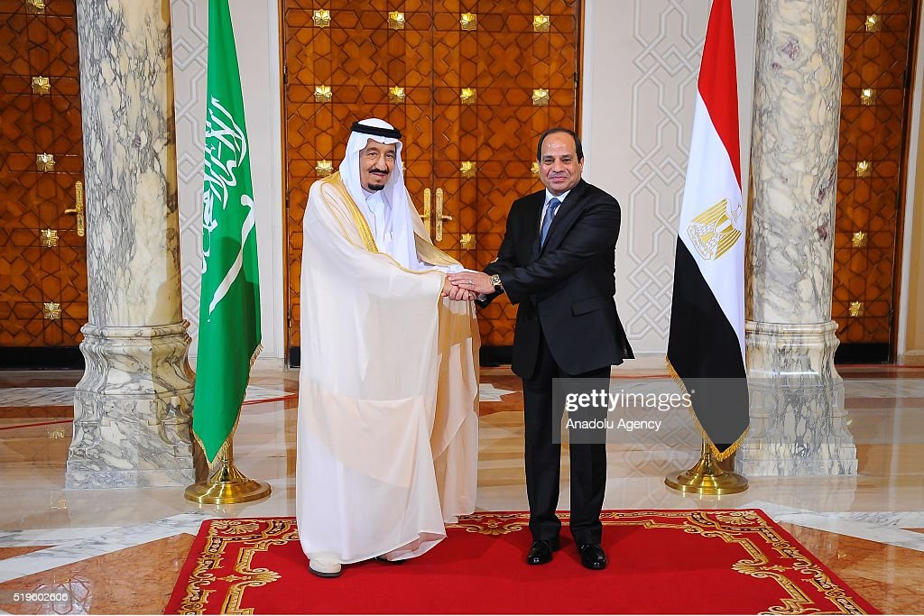 President of Egypt Abdel Fattah el-Sisi (R) welcomes King Salman bin Abdulaziz Al Saud of Saudi Arabia (L) at the Egyptian Presidential Palace in Cairo, Egypt on April 7, 2016.