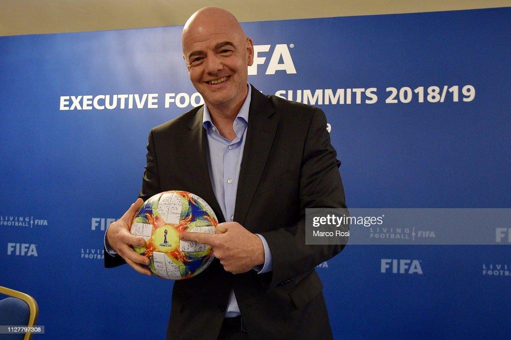 FIFA Executive Football Summit Press Conference : ニュース写真
