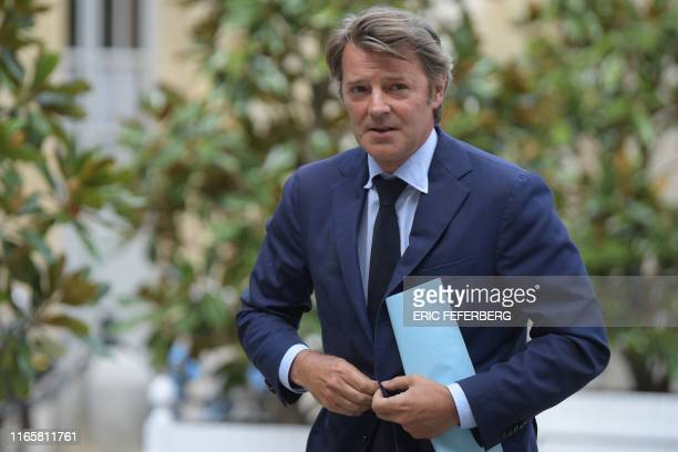 President of France's Mayors Organization and member of French righwing party Les Republicains Francois Baroin arrives at the hotel Matignon French...