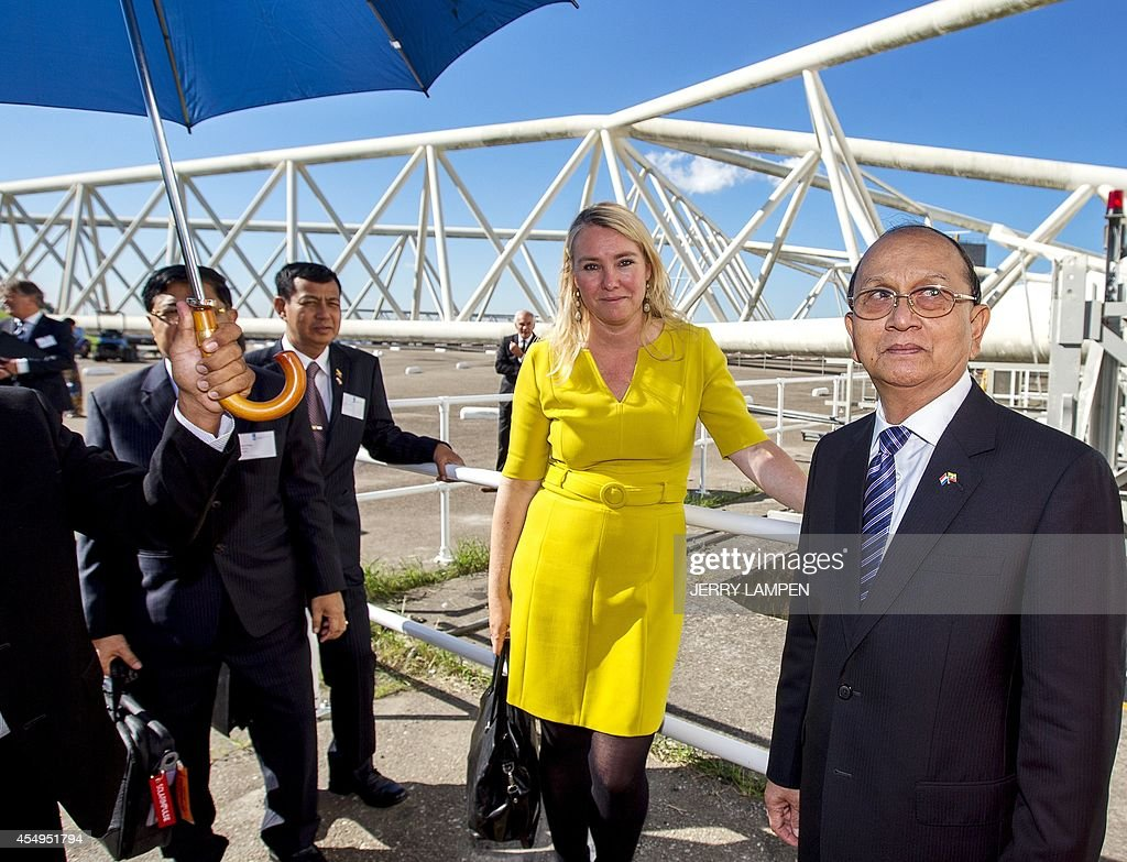 Moderne Lampen 95 : President of myanmar thein sein and dutch infrastructure and