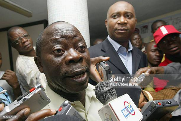 President of Nigeria Labour Congress Adams Oshiomhole explains to journalists why the union could not call off the strike despite the court ruling 09...