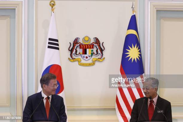President of South Korea Moon Jaein and Prime Minister of Malaysia Mahathir Mohamad speak to the press members during a joint press conference in...