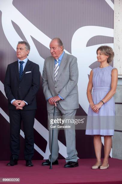 President of the Basque regional government Inigo Urkullu King Juan Carlos Spain's Agriculture minister Isabel Garcia Tejerina attend Macan Winery...