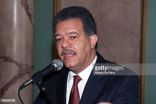 President of the Dominican Republic Leonel Fernandez speaks during the arrival of Latin American Idol winner Martha Heredia to the Presidential...