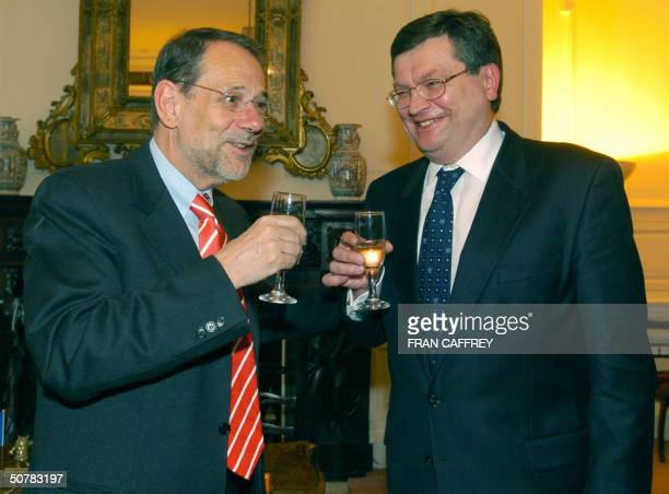 President of the European Commission Javier Solana toasts with Ukrainian Minister of Foreign Affairs Kostyantyn Gryshchenko after the EUUkraine...