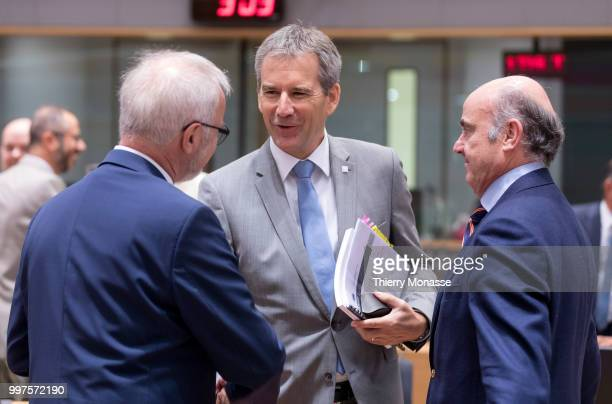 BRUSSELS BELGIUM JULY 13 President of the European Investment Bank Werner Hoyer is talking with the Austrian Finance Minister President of the...