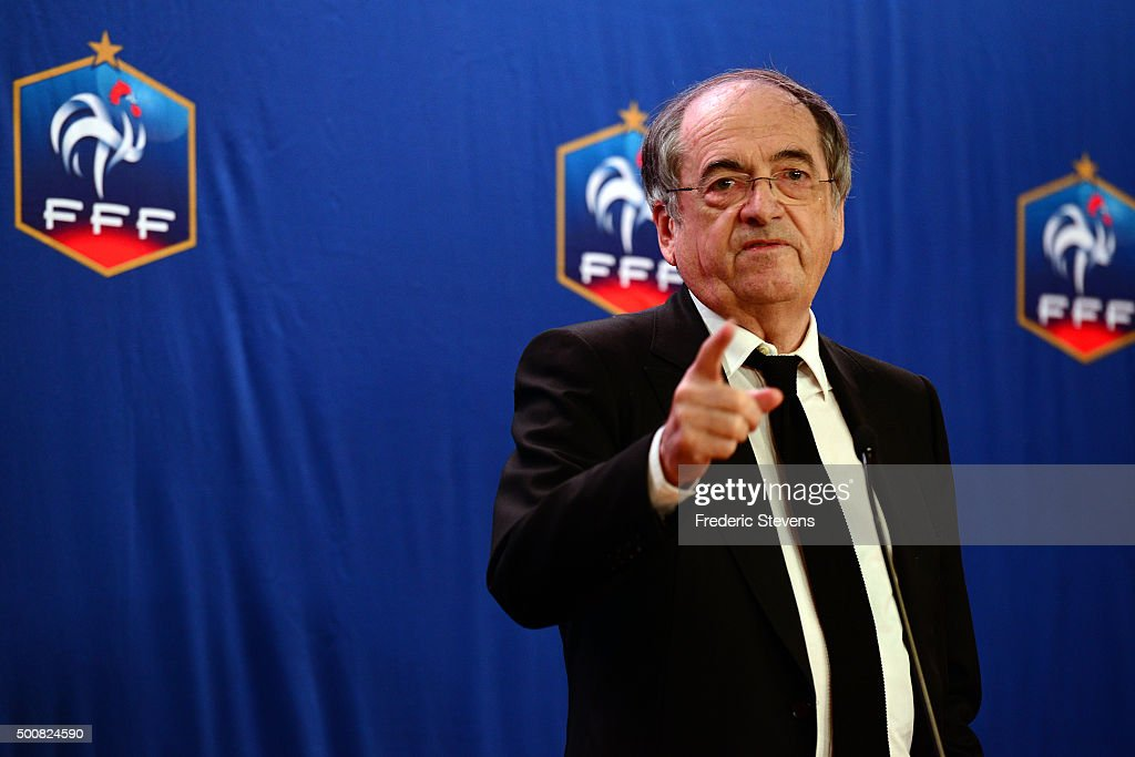 Head Of French Football Federation (FFF) Noel Le Graet Gives A Press Conference In Paris : Photo d'actualité