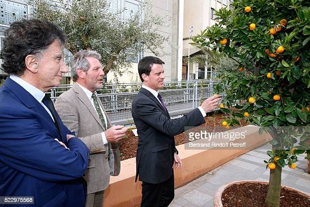 President of the 'Institut du Monde Arabe' Jack Lang Creator of the Ephemere Garden Landscaper Michel Pena and French Prime Minister Manuel Valls...