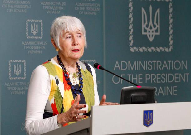 UKR: Zelenskyy Meets NATO High Official Moon